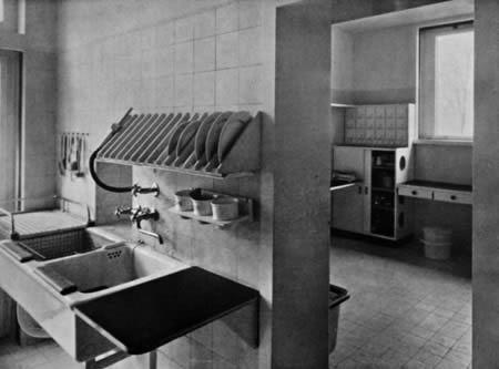 kitchen in house gropius 1926 photo lucia moholy bauhaus archiv berlin vg bildkunst bonn. Black Bedroom Furniture Sets. Home Design Ideas