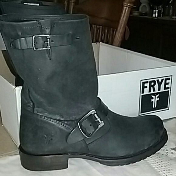 LIKE NEW IN BOX Frye Veronica short slouch harder to find gorgeous washed black!!! Frye Shoes Combat & Moto Boots