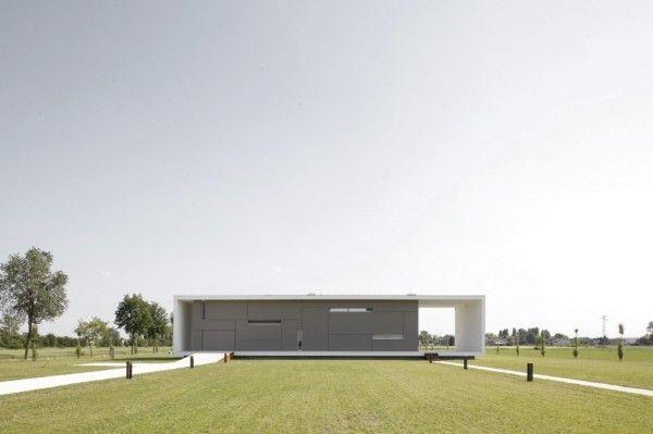 Geometric Design from Modern Monolithic House Design in Castelnovo Sotto Reggio Emilia Italy 600x399 Modern Monolithic House Design in Castelnovo Sotto, Reggio Emilia, Italy