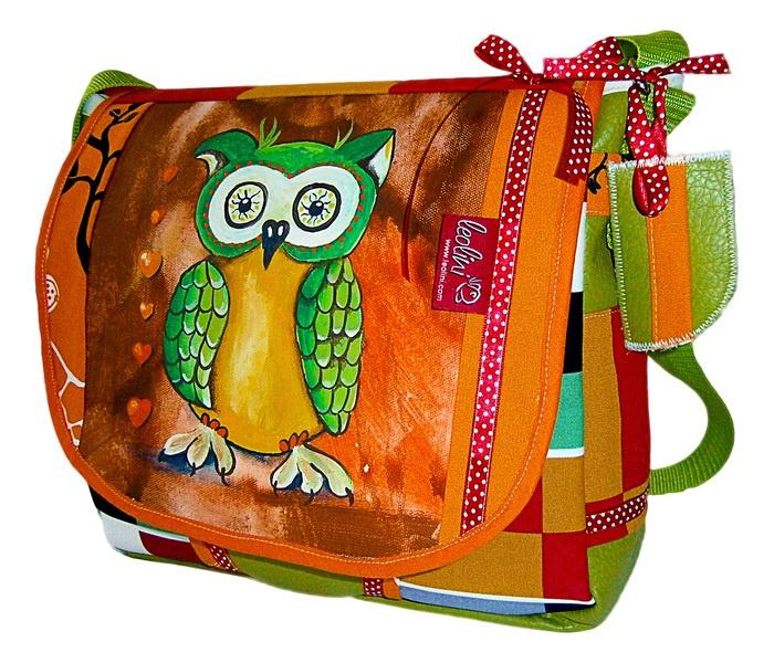"""Die """"grüne Eule"""" ist jetzt erhältich in meinem Shop! Jetzt heißt es schnell sein...http://de.dawanda.com/product/43009990-Gruene-Eule---HANDGEMALTE-Tasche-von-Leolini"""