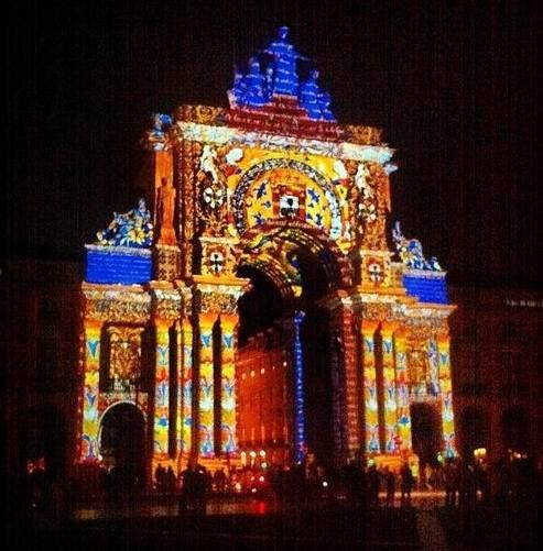 Spectaclular image of Triumphal Arch of #Lisbon from the recent light show in the main square right next to the river. Don't miss the light show in this #Lisbon square on from 9 - 18 August 2013 at 9.30 pm, 10.30 pm & 11.30 pm Fun thing to do on a Summer evening. Has India come to #Lisbon?