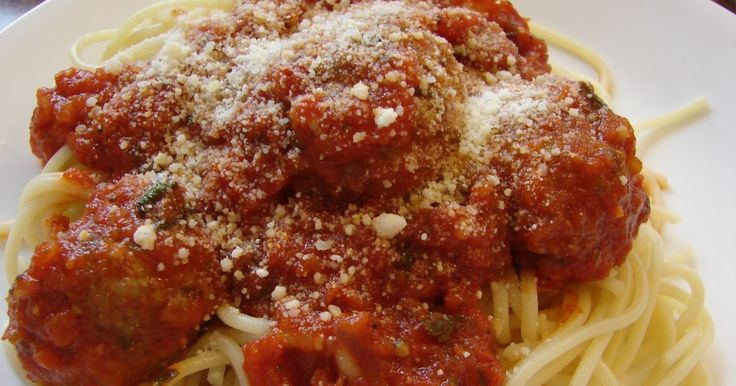 This is the best spaghetti and meatballs recipe I have ever tried so it totally makes sense that it came from Pioneer Woman. I swear, her ...