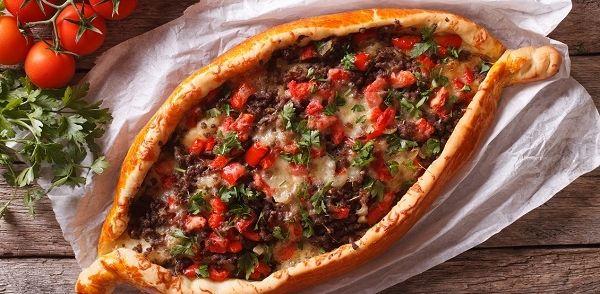 Pide-Pizza recept | Smulweb.nl