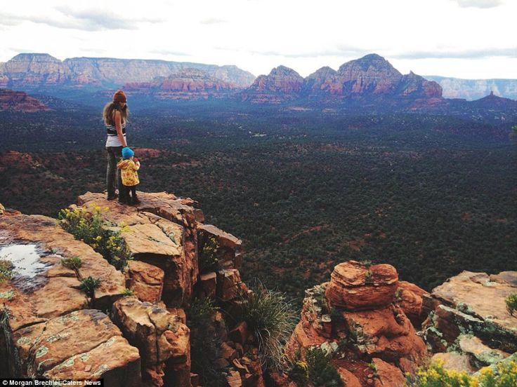 Mère Nature et son enfant sauvage, elle traverse l'Amérique avec sa fille sur le dos