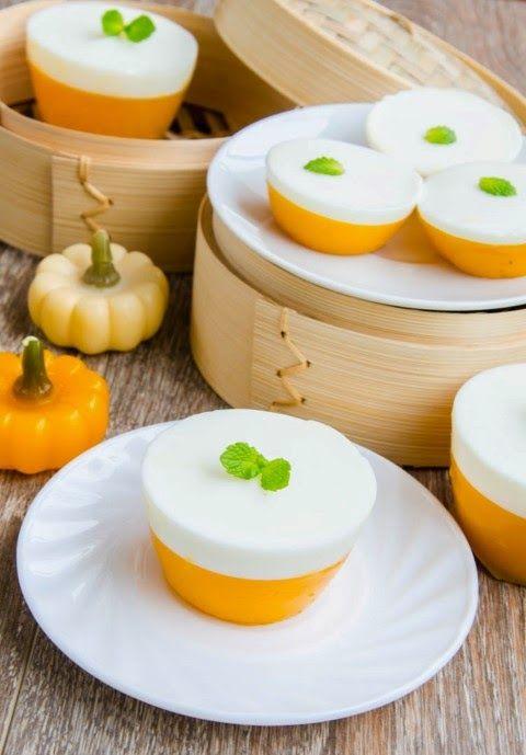 Andreea's Chinesefood blog: Prăjiturele cu lapte de cocos și dovleac