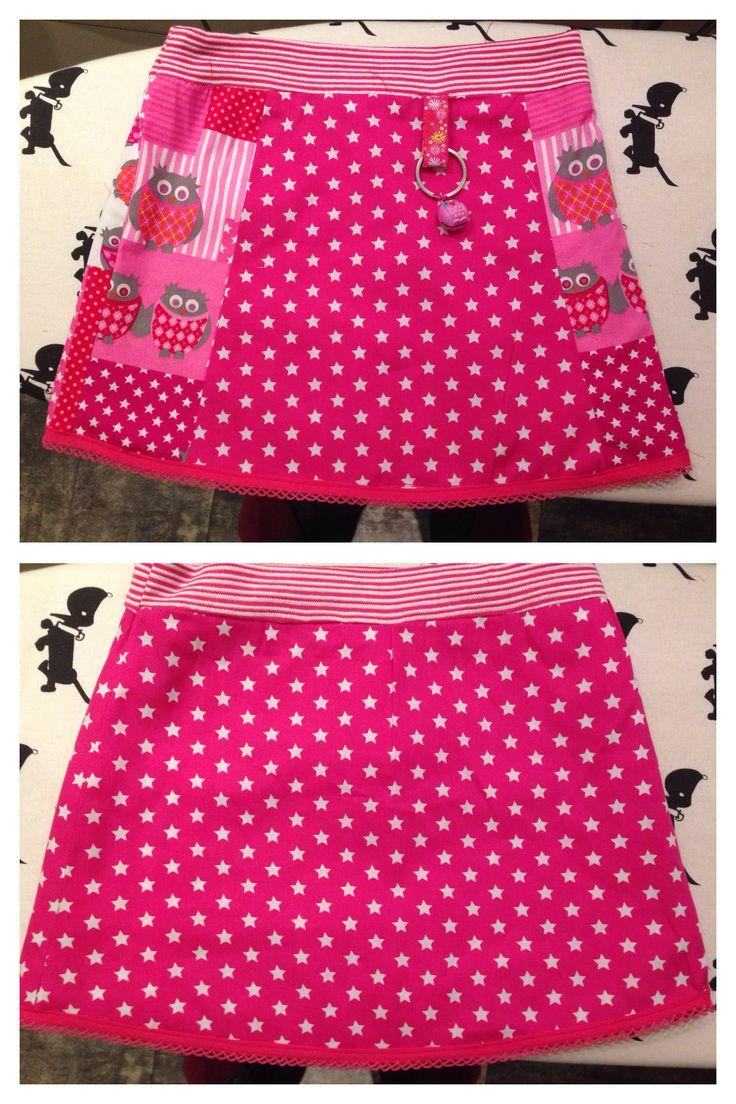 Tweezijdig rokje voor een meisje, patroon bandenlint.nl Two-sided skirt for a girl.