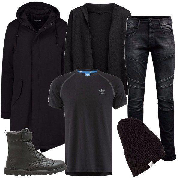 I jeans neri lavaggio scuro hanno la vita regolare, vestibilità aderente e varie impunture sulle gambe. Li abbiniamo alla t-shirt aderente nera con loghi e impunture bianche e al cardigan in maglia nera con cappuccio e senza bottoni. Aggiungiamo un cappotto nero modello parka lungo alle ginocchia. Ai piedi scarponcini alti in pelle nera con stringhe e chiusura a strappo e per finire cappello in maglia nera modello morbido.