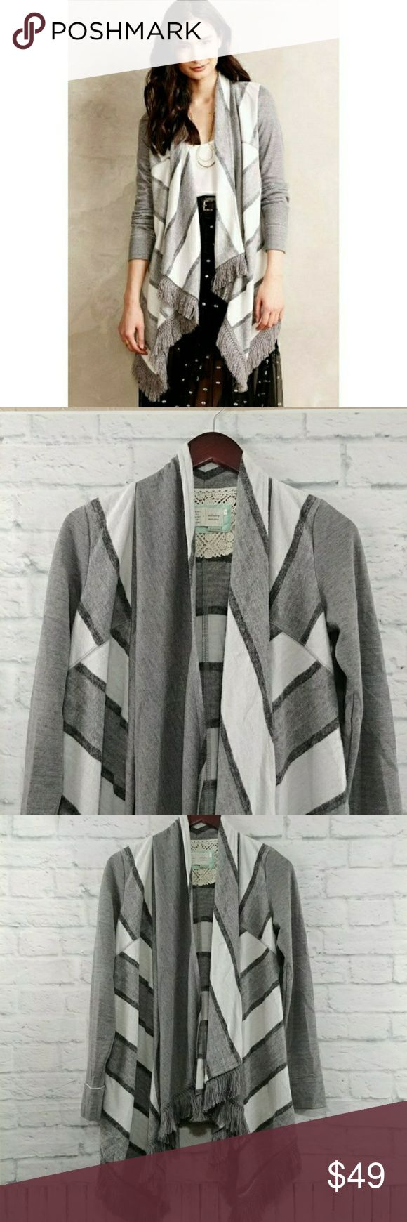 Anthropologie Elise Blanket Cardigan Gray XS Anthropologie Saturday Sunday Elise Blanket Cradigan in gray. Great Pre Owned - shows some signs of wear normal with fleece area. Super warm & perfect for Fall/Winter.  Measurements taken laying flat for size XSmall Bust-17 Length- 26 down sides, 34 at longest Stretch-little 001024175083 Anthropologie Sweaters Cardigans