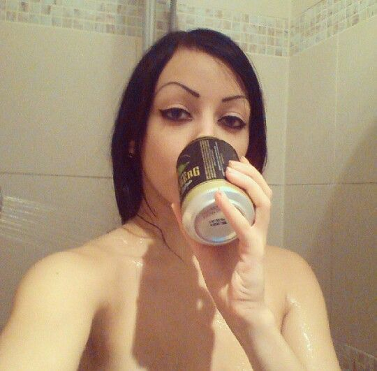 Dani Divine. Why yes, showers and beer DO make an awesome pair!