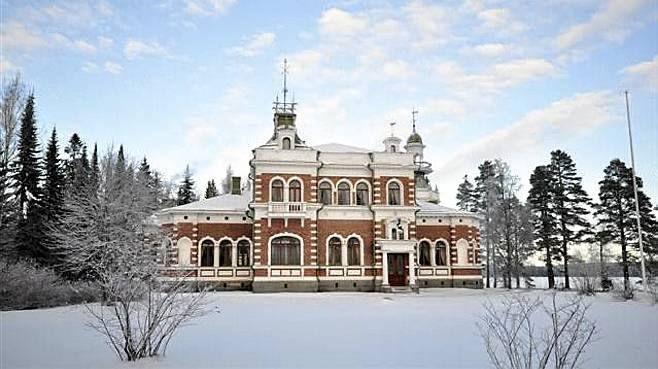 Vuonna 1899 rakennenttu 2-kerroksinen Inhan ruukinkartano. Kuva: Westhouse