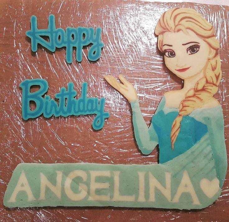 #チョコバー #ケーキ用 #アナと雪の女王 #エルサ #誕生日ケーキ #友達の誕生日 #手作りケーキ #後はケーキだけ#トッピング #elsa #frozen #handmade #Chocolatebar #birthdaycake #topping http://misstagram.com/ipost/1541935464290620412/?code=BVmDiKfnpP8