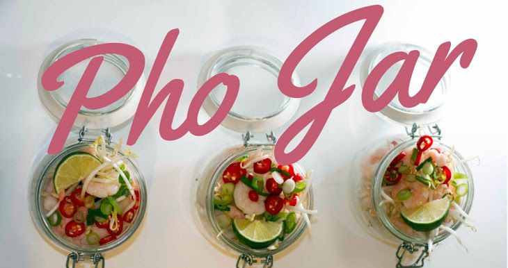 Prepare Ahead - Vietnamese Pho Jar Recipe with rice #noodles, dessert, beansprouts, dessert, spring onions, red chili peppers, lime, prawns #mains