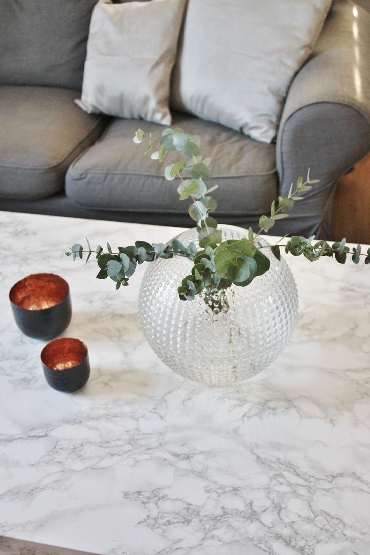 livets fina stunder - svenskt tenn dagg vas budget variant på marmor bord