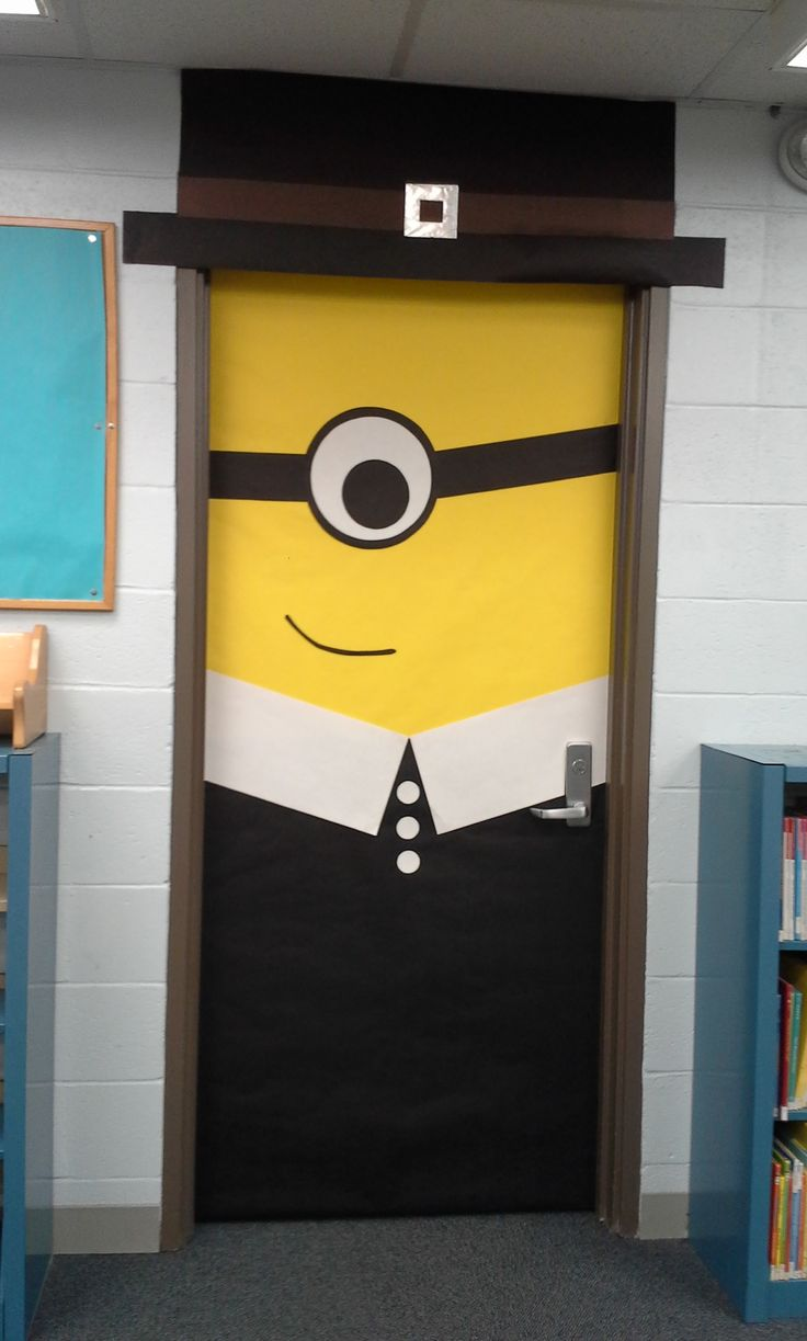 Thanksgiving front door decorations - Thanksgiving Pilgrim Minion Door Decoration