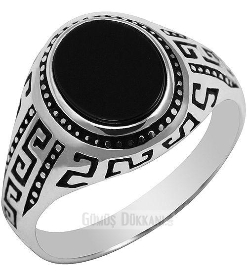 Gümüş Erkek Yüzük Siyah Taşlı İnce Kibar Yüzükler  925 ayar gümüş. #yüzük #gümüşyüzük #erkekyüzük #silverring #mensring #gümüşdükkanı http://www.gumusdukkani.com/gumus_erkek_yuzugu/gumus-erkek-yuzuk-siyah-tasli-ince-kibar-yuzukler-37983