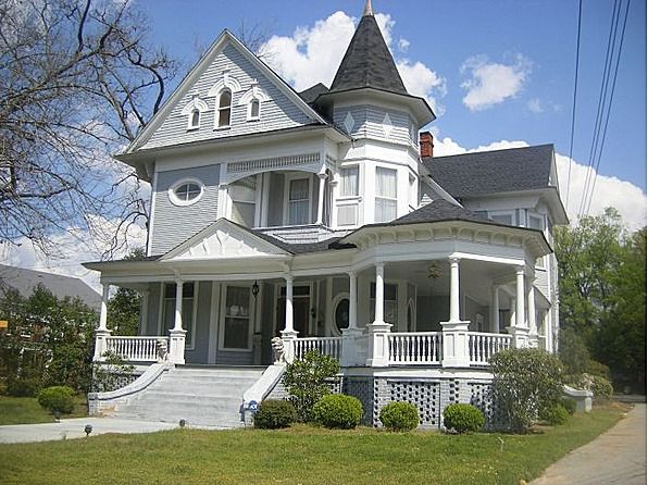 Wide porch (Over 310 Different Victorian Homes http://www.pinterest.com/njestates1/victorian-homes/ … Thanks To http://www.NJEstates.net/)