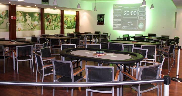 ASSE Poker Live - La salle de tournoi est prête. Nous n'attendons plus que les joueurs ! #ASSE #Winamax #Poker #Football