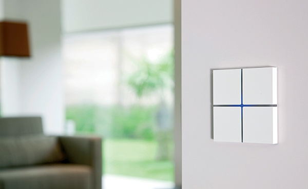 Touch-sensitive, design Sentido switch in satin white aluminium for any interior: contemporary, minimalist, classic... Controls home automation lights, shades, temperature, music ... Available in aluminium, bronze, glass, leather, nickel ... Learn more at www.basalte.be