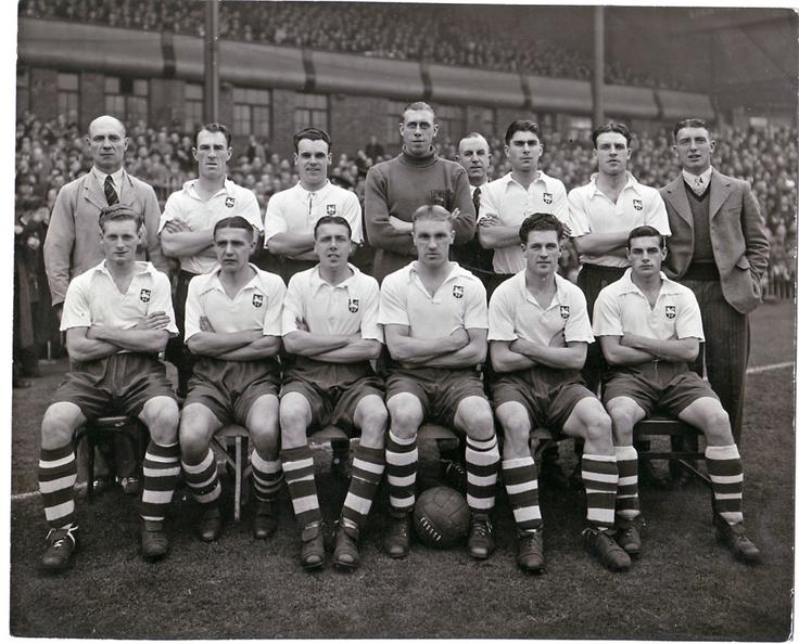 Preston North End F.C. en el Villa Park en 1947.
