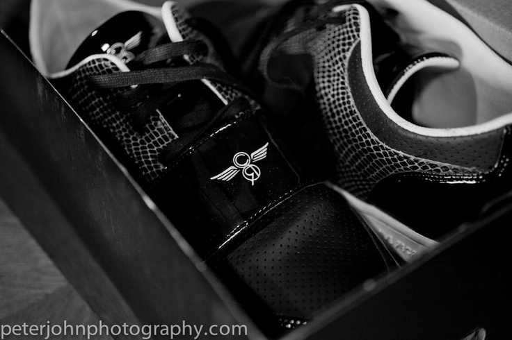 Groomsmen gifts and shoes for the weddingGroomsman Gift