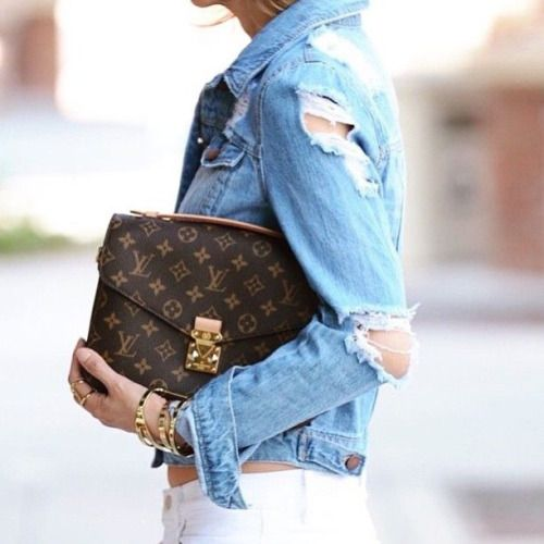 The best part about your favorite Louis Vuitton bag, it goes with everything! Pair your Louis with a distressed denim jacket for a low-key weekend outfit.