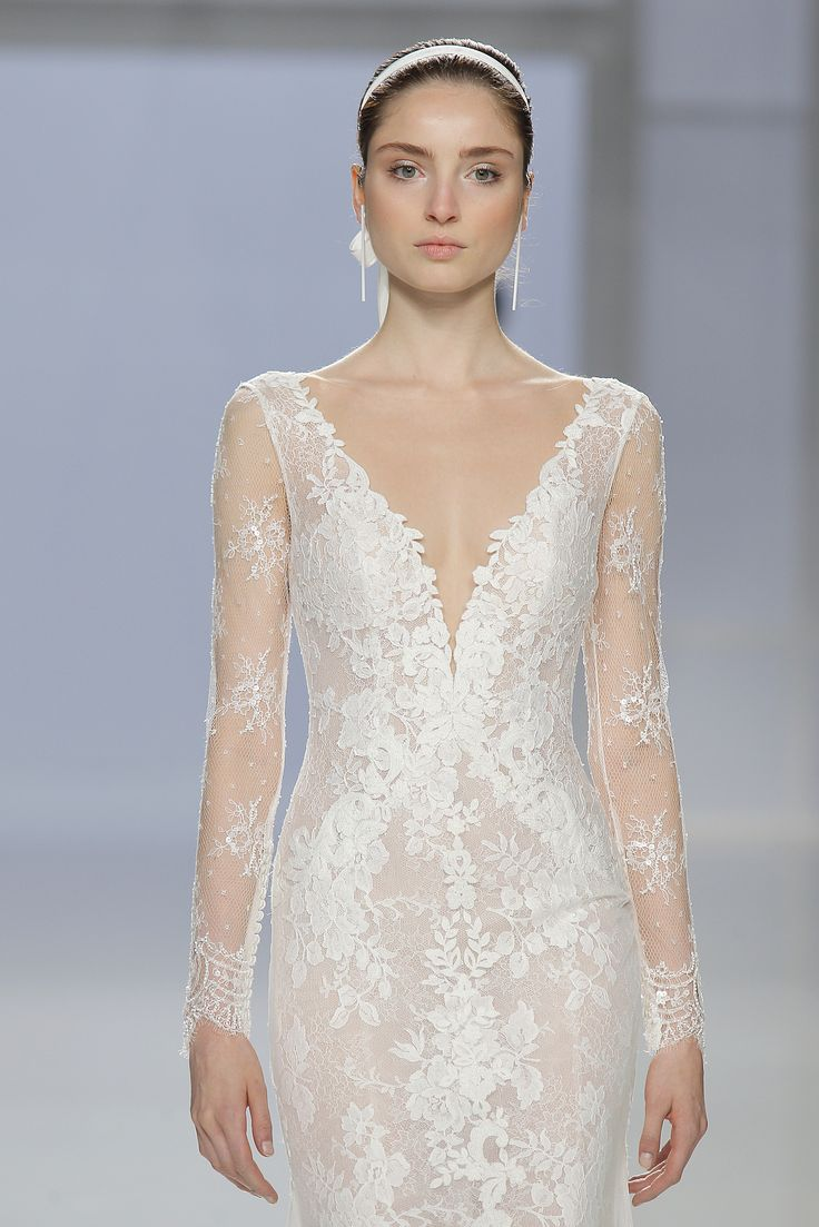 Wedding dresses fashion show rosa