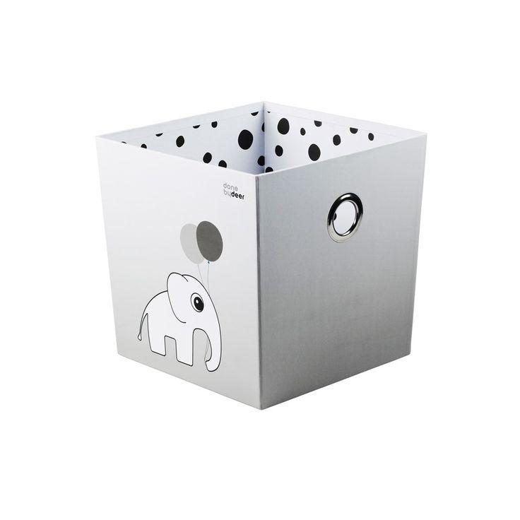 Originelle Aufbewahrungskiste oder Stapelbox mit neckischem Elefantenmotiv aus dem Hause Done By DeerDer Charme dänischer Geradlinigkeit hat immer größere Anziehungskraft. Wir lieben die Direktheit, die Schlichtheit, die...