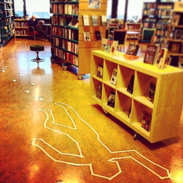 Mord på biblioteket! Kom og få årets påskekrim hos oss! #loddefjordbibliotek #bibliotek #krim #mord #mysterier #påske #loddefjord