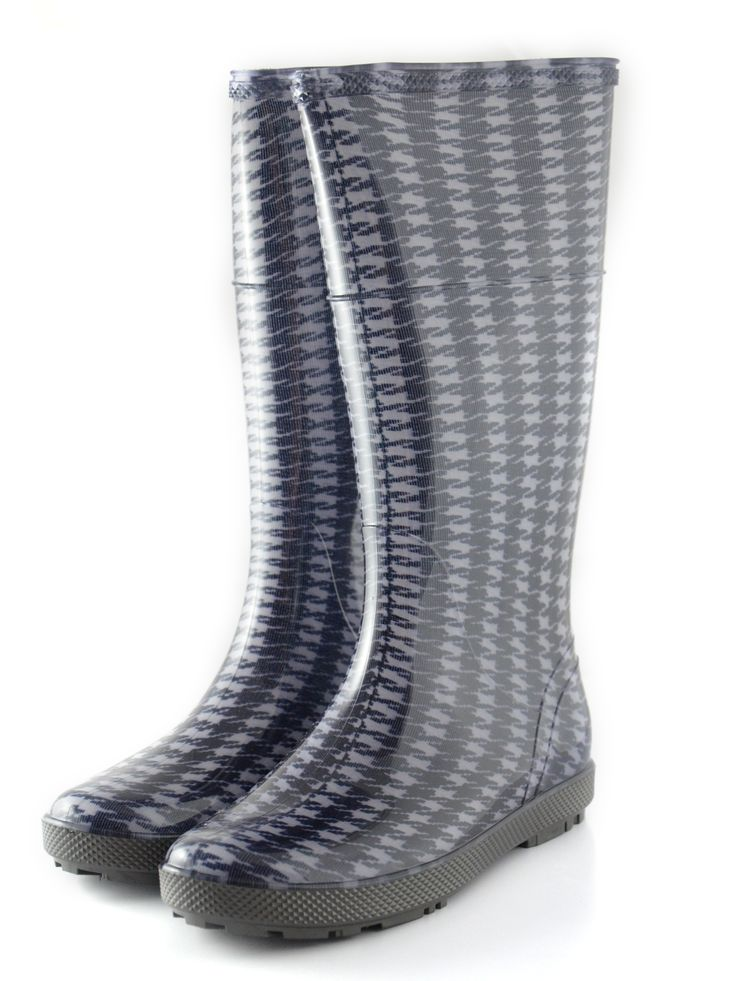 #Woman's #wellies #black #pattern, created with #high PVC quality. #Special to #work in the #garden and good to use in #rainy days.