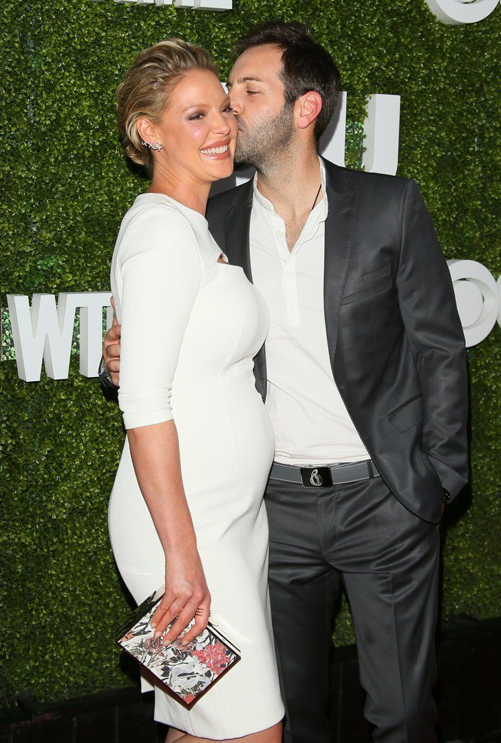 Pin for Later: Katherine Heigl Shows Off Her Baby Bump While Hitting the Red Carpet With Her Husband