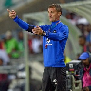PSL: Absa Premiership scores update 01 November 2017 Orlando Pirates in trouble quite early on. https://www.thesouthafrican.com/psl-absa-premiership-scores-update-01-november-2017/