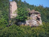Château semi-troglodytique de Petit Arnsbourg (ou Arnsberg). Obersteinbach. Alsace