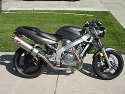 Classic naked Honda Hawk. Aka NTV650. 2cyl v w/60hp. Ca 1988.