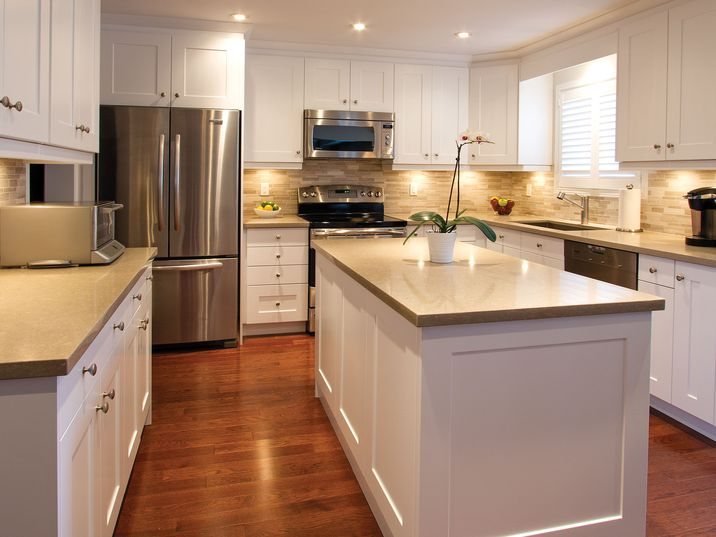 Professionals Newport Latte Canadian Kitchen Cabinets Manufacturers