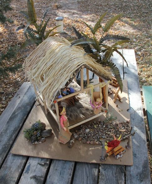 Seminole Indian Chickee Hut: Have all the stuff ready for the kids to make their own. great party favor