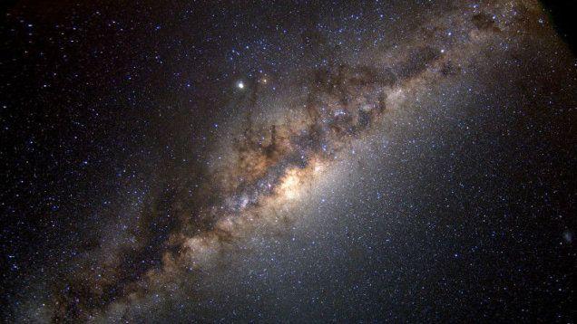 Droga Mleczna o połowę większa? Astronomowie mają mocne dowody. http://tvnmeteo.tvn24.pl/informacje-pogoda/ciekawostki,49/droga-mleczna-o-polowe-wiekszaastronomowie-maja-mocne-dowody,160888,1,0.html