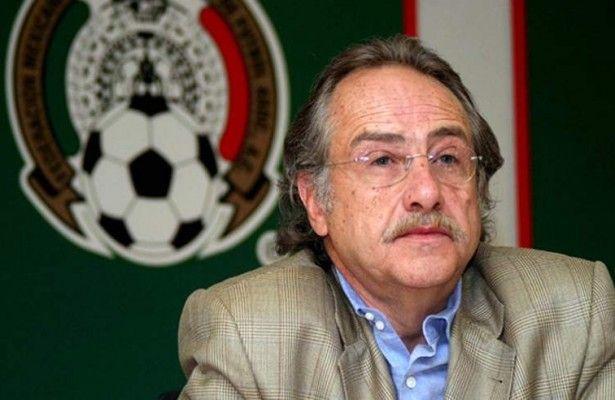 OFICIAL: Miguel Herrera es separado como técnico de México - En secretario de la Federación Mexicana de Fútbol dio la noticia en conferencia de prensa.  La Federación Mexicana de Fútbol (FMF) destituyó es...