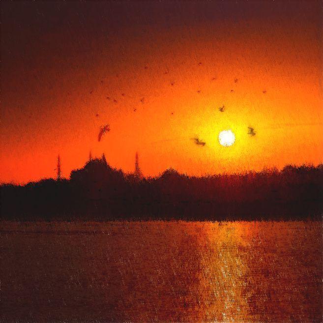 ARDE EL BÓSFORO // Por entre los lejanos minaretes escoge el sol su camino postrero. Resplandor refulgente de las aguas anegadas de vidas como peces que derrotan contra los bancales como de plata alfanjes en la orilla. Es el mar un gran túnel que surcamos descifrando extraños alfabetos. Arde el mar, arde el Bósforo plagado de seculares miradas que se asoman y levantan la costra de la herida interrogando nuestros corazones…—> http://albertotroconiz.blogspot.com.es/2016/07/arde-el-bosforo.html