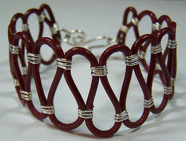 bracelet E CUERO Y ALAMBRE DE PLATA.