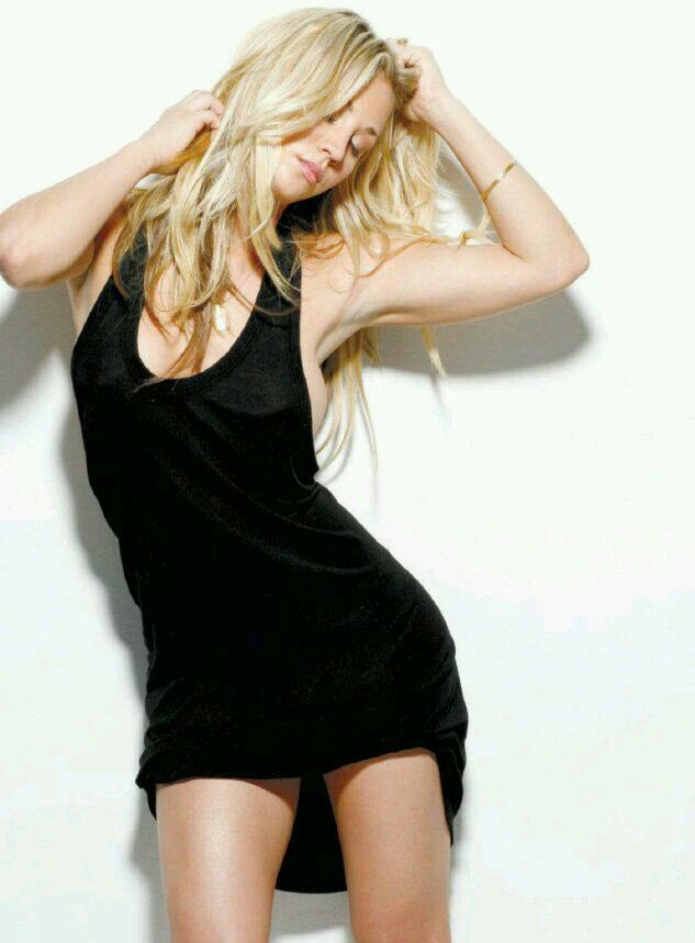 248 Best Kaley Cuoco Images On Pinterest