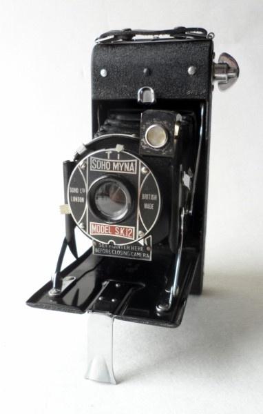 HTF Vintage Folding Camera English British Made Soho Ltd London Myna Model SK12 120 Roll Film Circa 1930s Art Deco #FollowVintage