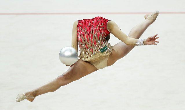 Russia's Margarita Mamun performs in the individual final programme at the 31st European Rhythmic Gymnastics Championships in Minsk, Belarus, May 3, 2015. (Photo by Vasily Fedosenko/Reuters) | www.ghantagiri.com #ghantagiri