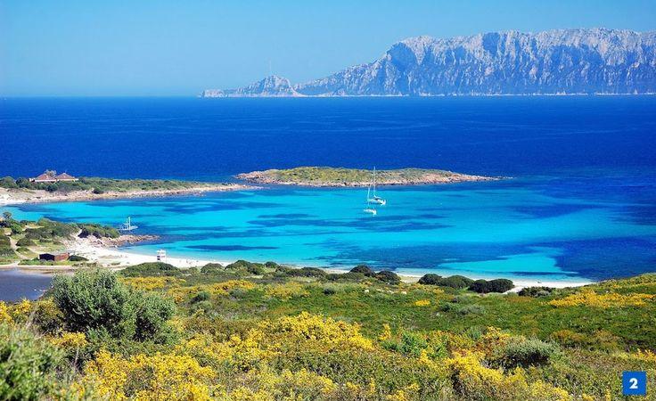 Olbia. Le coste si estendono per km, le spiagge sono stupende, sabbia bianca e mare incantevole #VisitOlbia