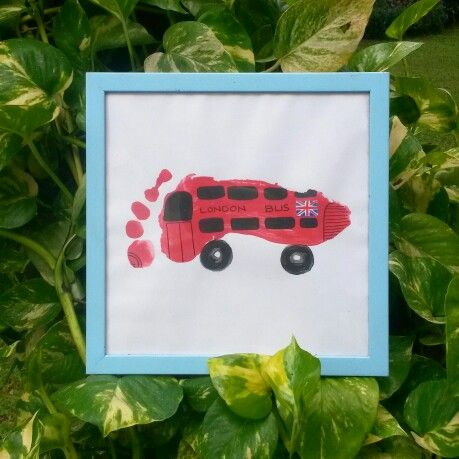 #OmemoriA london bus footprint art
