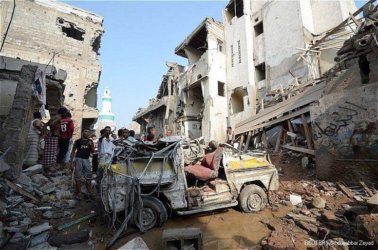 "Saudi tolak penyelidikan PBB atas perang yang terjadi di Yaman  RIYADH (Arrahmah.com) - Arab Saudi menolak permintaan Komisi Tinggi PBB untuk Hak Asasi Manusia Zeid Ra'ad Bin Al-Hussein untuk membentuk komisi penyelidikan internasional atas perang yang terjadi di Yaman demikian laporan kantor berita Arab Al-Manar.  Menurut laporan itu Menteri Kebudayaan dan Informasi Saudi Adel Tarifi mengatakan ""Riyadh tidak mendukung panggilan Komisaris Tinggi untuk membentuk komite investigasi…"