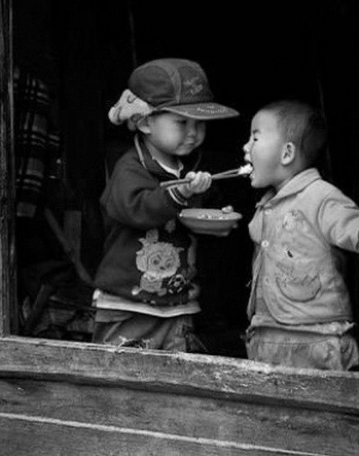 """maya47000: """" """" La gentillesse, c'est de l'amour donné par petites bouffées . """" maya47000: (via stringimiforteenonmilasciare)"""