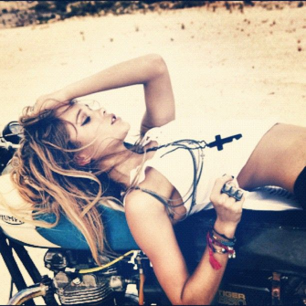 Nothin' sexier than a woman on a motorcycle.