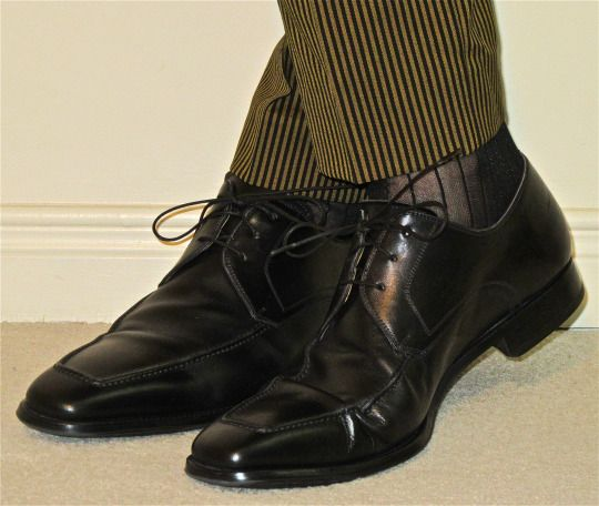 Tiger Of Sweden suit, Magnanni apron-toe derbies… #TigerOfSweden #Magnanni…