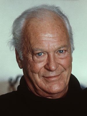 Curd Jürgens (* 13. Dezember 1915 in München; † 18. Juni 1982 in Wien) war ein deutsch-österreichischer Bühnen- und Film-Schauspieler, der auch in zahlreichen internationalen Filmen zu sehen war. Eindrucksvoll agierte er 1977 als Karl Stromberg, Gegenspieler von James Bond, in dem Film Der Spion, der mich liebte.