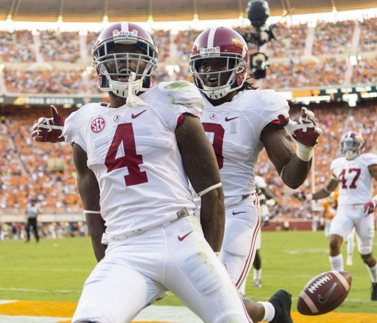 Alabama defensive back Eddie Jackson (4) gets loose for a punt return touchdown during the second half of Alabama's SEC football game at Tennessee, Saturday, Oct. 15, 2016, at Neyland Stadium in Knoxville, Tenn.  Vasha Hunt/vhunt@al.com
